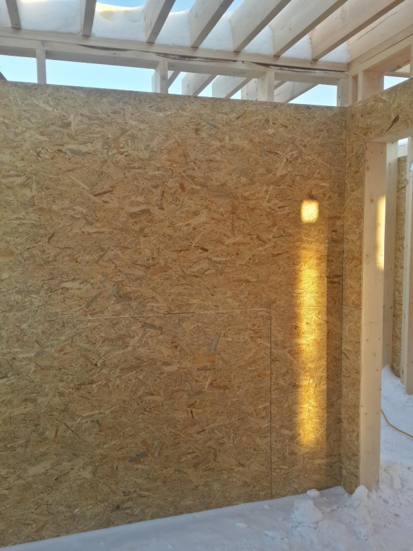 Монтаж OSB  на стены первого этажа